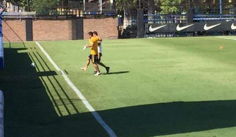 Osvaldo abandonó la práctica por un golpe en el pie derecho
