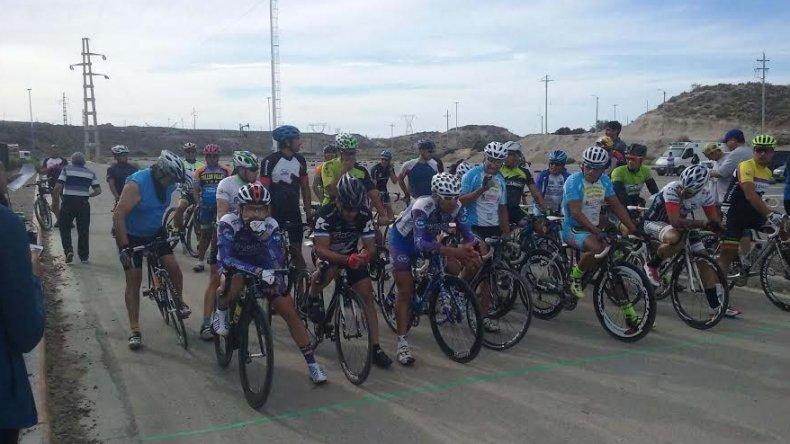 El ciclismo tuvo buena aceptación en el Predio Ferial con más de 35 participantes.