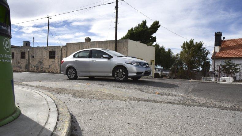 La Municipalidad deberá pagarle a un vecino de Caleta Córdova por los daños que causó un reductor de velocidad que se construyó en diciembre de 2006.