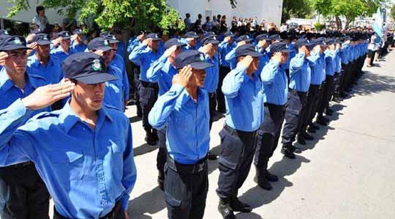 Aspirantes a policía de Comodoro investigados por presentar títulos truchos