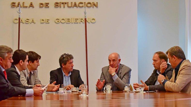 La comisión de reforma de la Constitución recibió ayer a dirigentes del PRO.