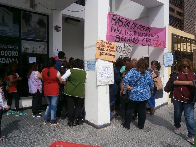 Desde el 3 de marzo se mantiene la retención en los centros de promoción barrial de la ciudad.