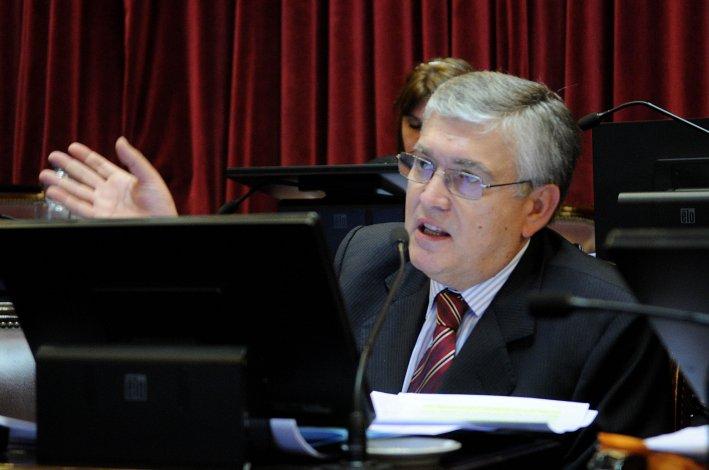 Mario Pais rechazó el recorte de medicamentos.