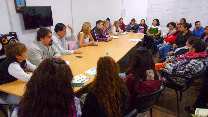 La reunión que se celebró ayer en el Concejo Deliberante para destrabar el conflicto.