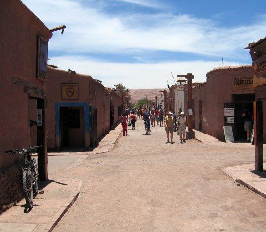 A San Pedro de Atacama se lo conoce como el pueblo de una sola calle.
