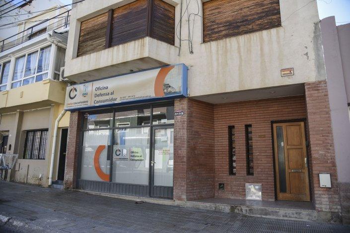 La Oficina de Defensa del Consumidor es uno de los locales que alquila el municipio por falta de espacio en edificios propios.