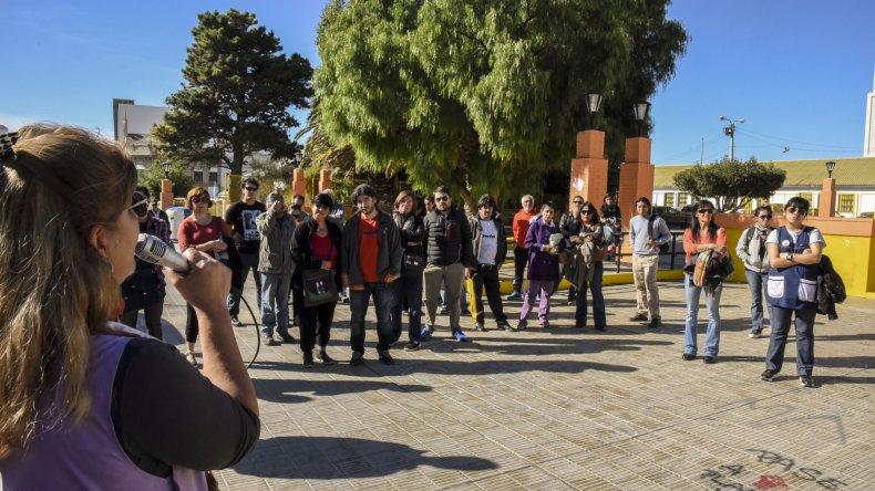 En un acto en la plaza de la escuela 83 los docentes provinciales y universitarios rechazaron la criminalización de la protesta.