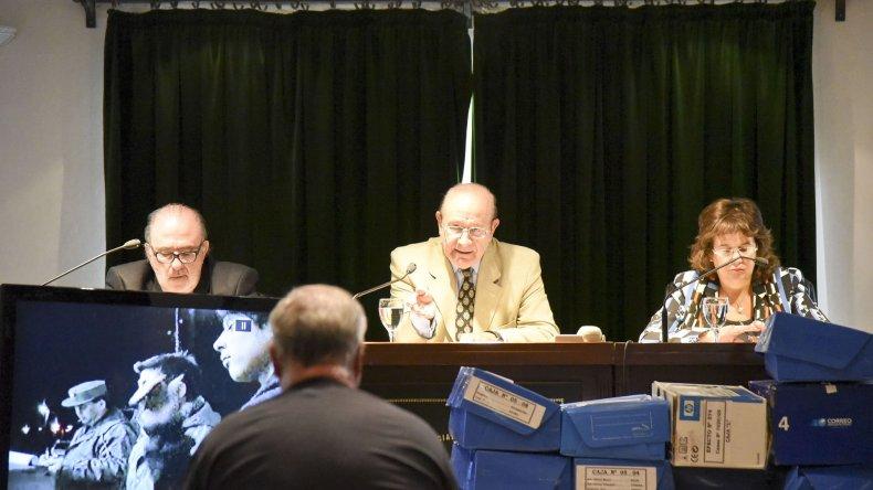 El Tribunal Oral Federal de Comodoro Rivadavia condenó a siete individuos en un juicio abreviado por comercialización de estupefacientes y tenencia simple.