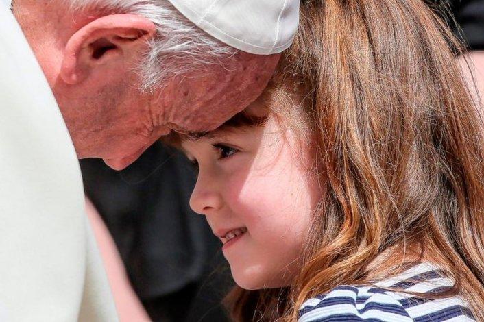 El Papa recibió a una nena que pidió conocerlo antes de quedarse ciega