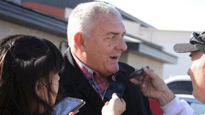 Roberto Borselli realizó ayer una breve visita a Caleta Olivia y dio a entender que el gobierno no mejorará la oferta salarial a docentes.