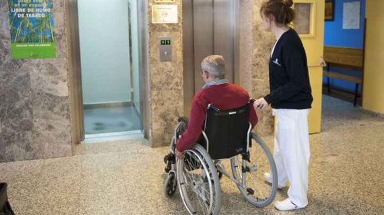 Alumnos de escuelas industriales repararán sillas de ruedas del PAMI