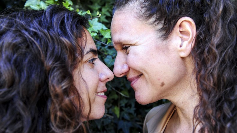 Vicky Escobar y Romina Charur