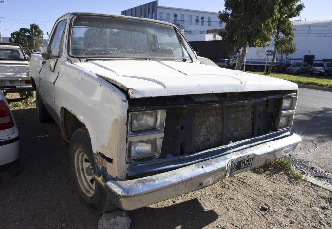 La camioneta secuestrada en la Seccional Tercera. En ese vehículo Aldo Fuhr habría sometido a su ex pareja a golpes y otros maltratos.
