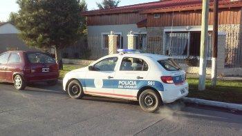 Una madrugada de terror vivió una familia que habita en avenida Estrada y Perito Moreno, en pleno centro de la ciudad de Sarmiento.