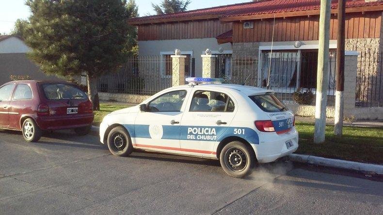 Una madrugada de terror vivió una familia que habita en avenida Estrada y Perito Moreno