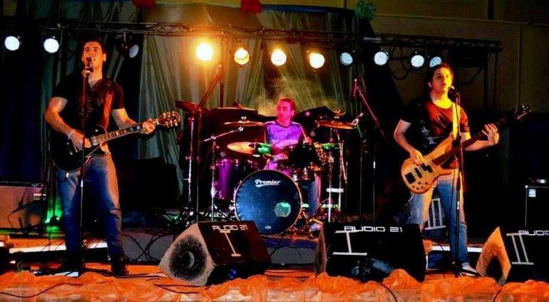 Tres Extraños presenta su nuevo álbum en Rada Tilly
