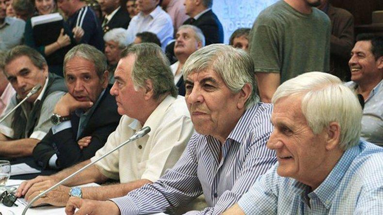 Moyano y Caló adelantaron la decisión de unificar las CGT y anunciaron una movilización.
