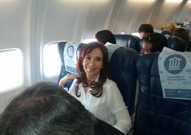 Se espera que Cristina arribe el lunes a la noche a Buenos Aires