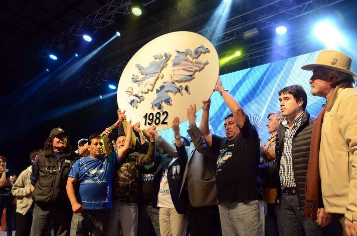 Dos noches de argentinidad vivió el Predio Ferial en homenaje a los caídos en Malvinas