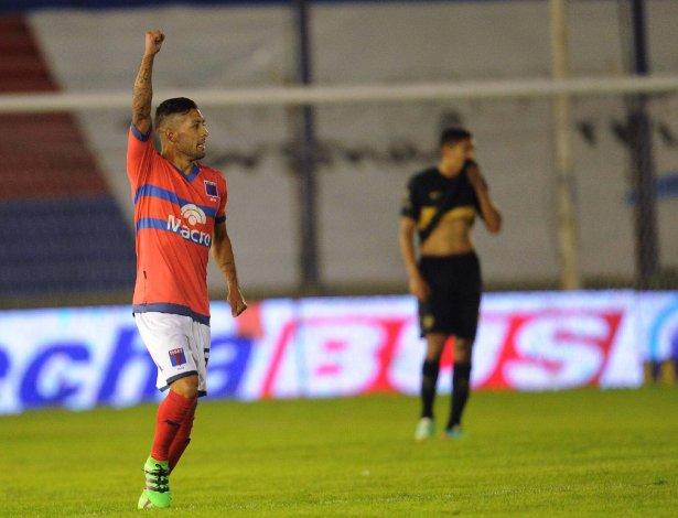 Lucas Janson festeja su gol