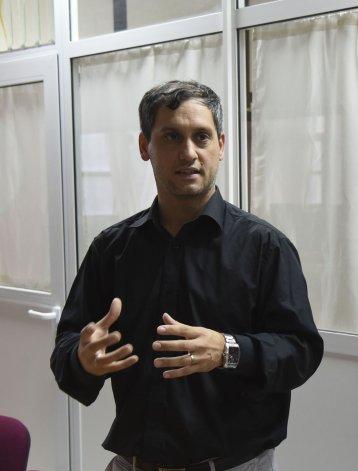 Martín Bilbao es el director del GIIA que hoy cuenta con 17 integrantes y ocho proyectos de investigación en proceso.