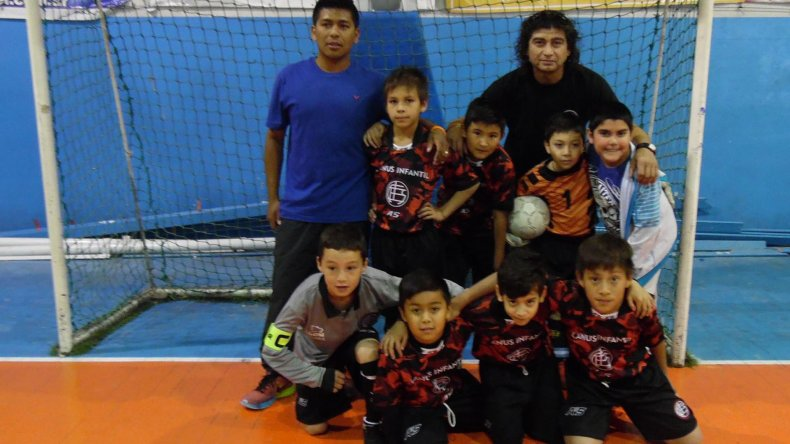 Los Tigres de Lanus 2006 dijeron presente en la primera fecha del torneo infantil.