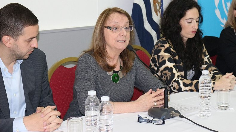 La gobernadora presidió el primer acto de apertura de sobres de una licitación pública de su gestión
