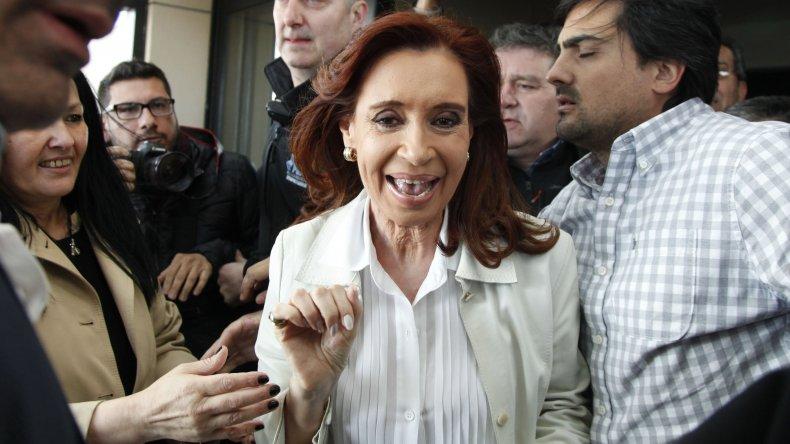 Cristina Fernández convocó a intendentes bonaerenses del PJ