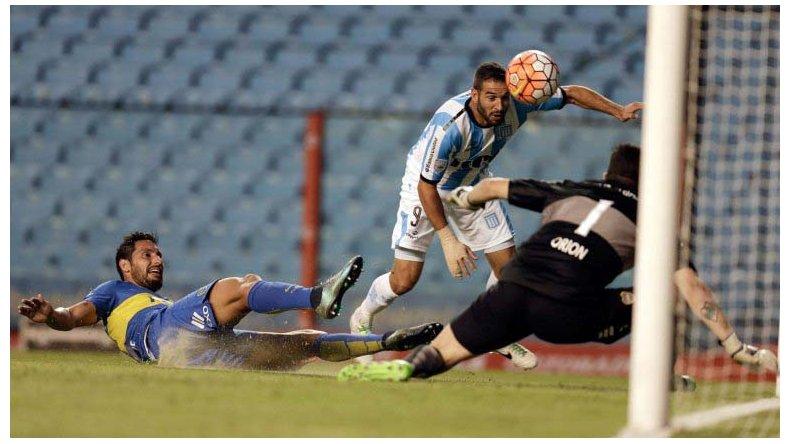 Boca y Racing empataron sin goles en La Bombonera