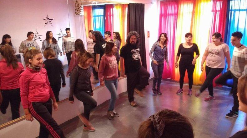 Las clases de teatro del grupo Amakaik comenzaron a dictarse en el espacio artístico Infinito.