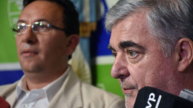 El gobernador de Chubut ayer cumplió actividades en Trelew. Hoy lo hará en el sur de la provincia.