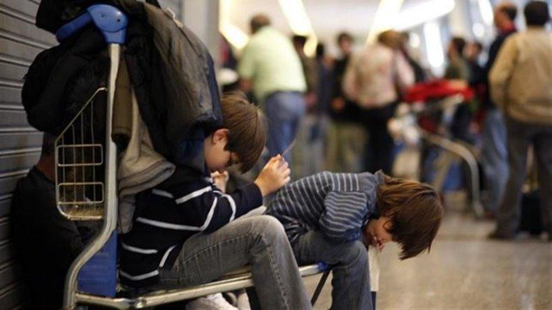Aerolíneas, Austral y Latam están de paro hasta las 12