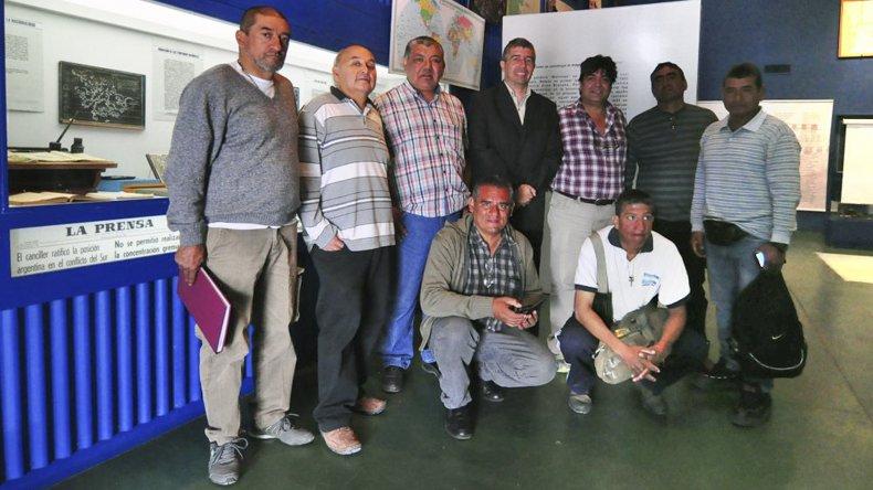 Los veteranos visitaron el Museo Soldado de Malvinas de Rawson en el marco de su cruzada por unir caminando Ushuaia con La Quiaca.