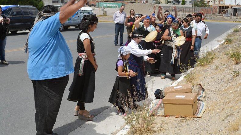 Empleados públicos mapuches tendrán 4 días al año para sus rituales