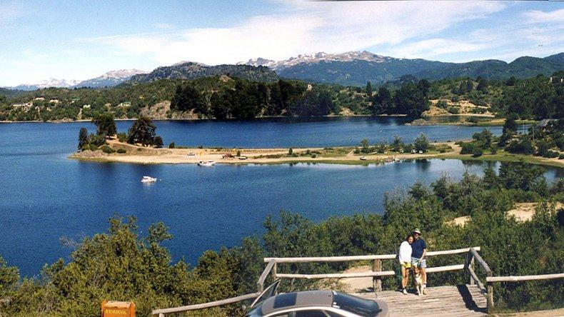 La hermosa aldea de montaña prevé también la recuperación del mirador existente sobre el extremo de la península de los Coihues.