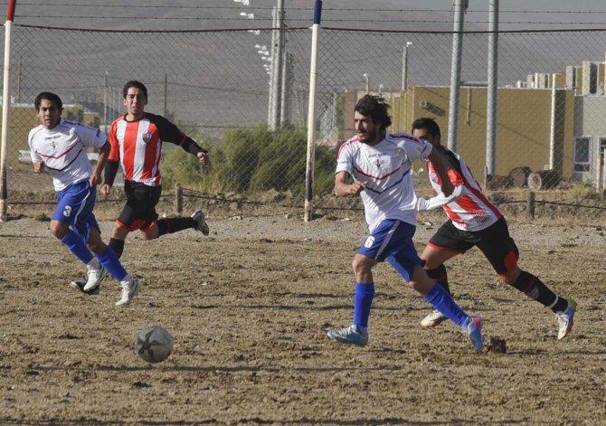 Diadema lo ganaba y Roca se lo empató con un gol olímpico.