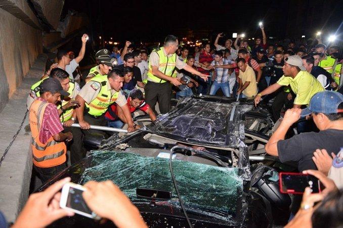 Terremoto de 7,8 grados sacudió a Ecuador: hay al menos 77 muertos