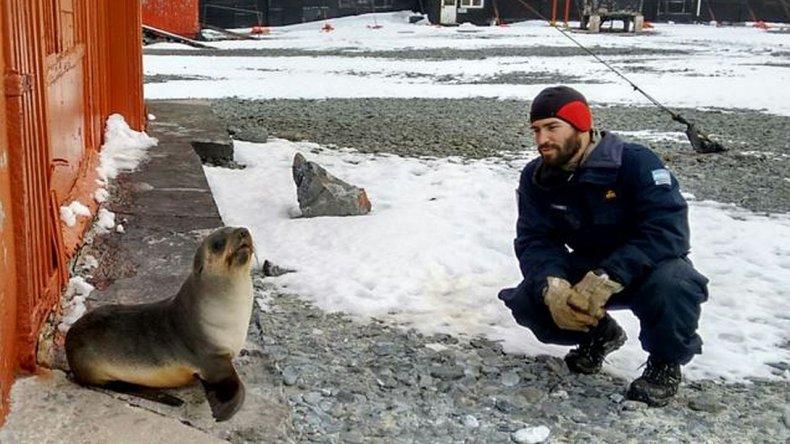 Así es la vida bajo cero en la Base Antártica Orcadas integrada por 16 argentinos