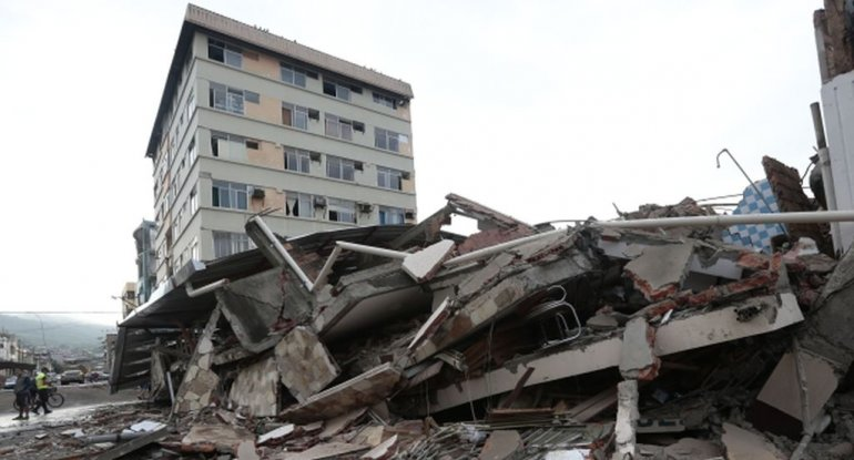 Devastador sismo en Ecuador: aumentan a 233 los muertos