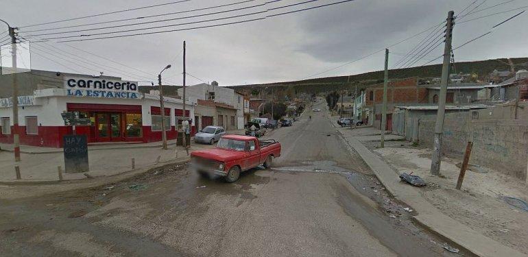 Dos delincuentes encapuchados y con armas se llevaron 5 mil pesos de una carnicería