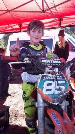 Tomás Carbajal logró una victoria en la categoría 50cc A en el arranque del Mini Cross.