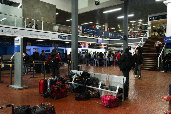 Hay vuelos cancelados en Comodoro por fallas en un sistema de Aeroparque