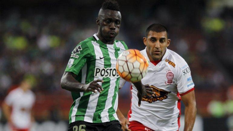 Huracán supo controlar los embates de Atlético Nacional y se quedó con la clasificación.