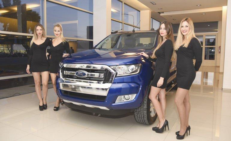 La nueva Ford Ranger viene en 16 versiones diferentes con motor diésel y naftero.