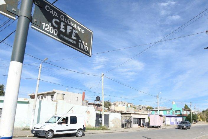 La calle Capitán Giachino se extiende tres cuadras en el barrio Ceferino Namuncurá.