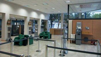 no hay atencion en cinco bancos de la ciudad por asamblea de empleados