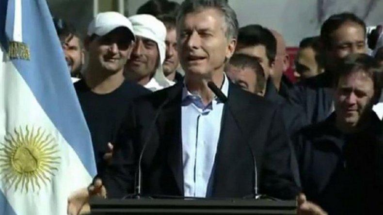 Macri asiste al acto por el 22° aniversario del atentado a la AMIA