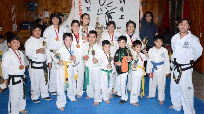Gran participación tuvo el certamen inter-escuelas en Rada Tilly.