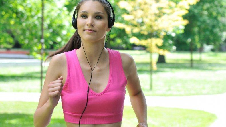 Mantenerse activo para prevenir enfermedades: los múltiples beneficios de la actividad física