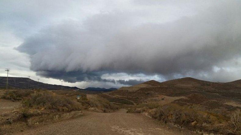 Viernes con probabilidad de lluvias y una máxima de 17° C